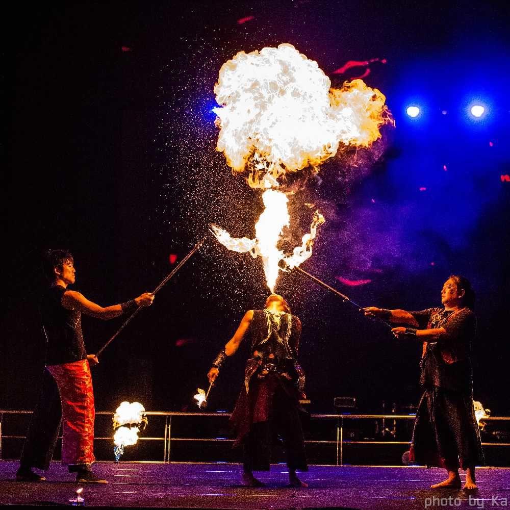 韓国ファイアーフェスティバルで火付盗賊のパフォーマンス
