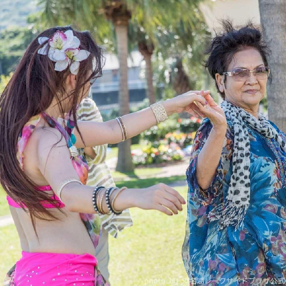 ホテルイベントでアラビアンナイトベリーダンス
