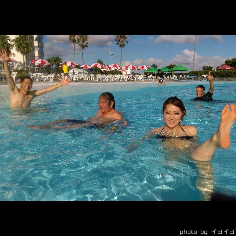 浜名湖レークサイドプラザホテルのプールで遊ぶ火付盗賊