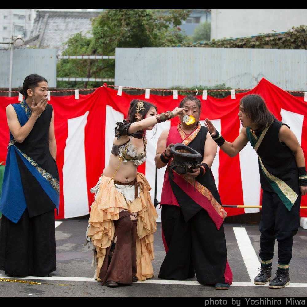 大須大道町人祭でファイアー大道芸