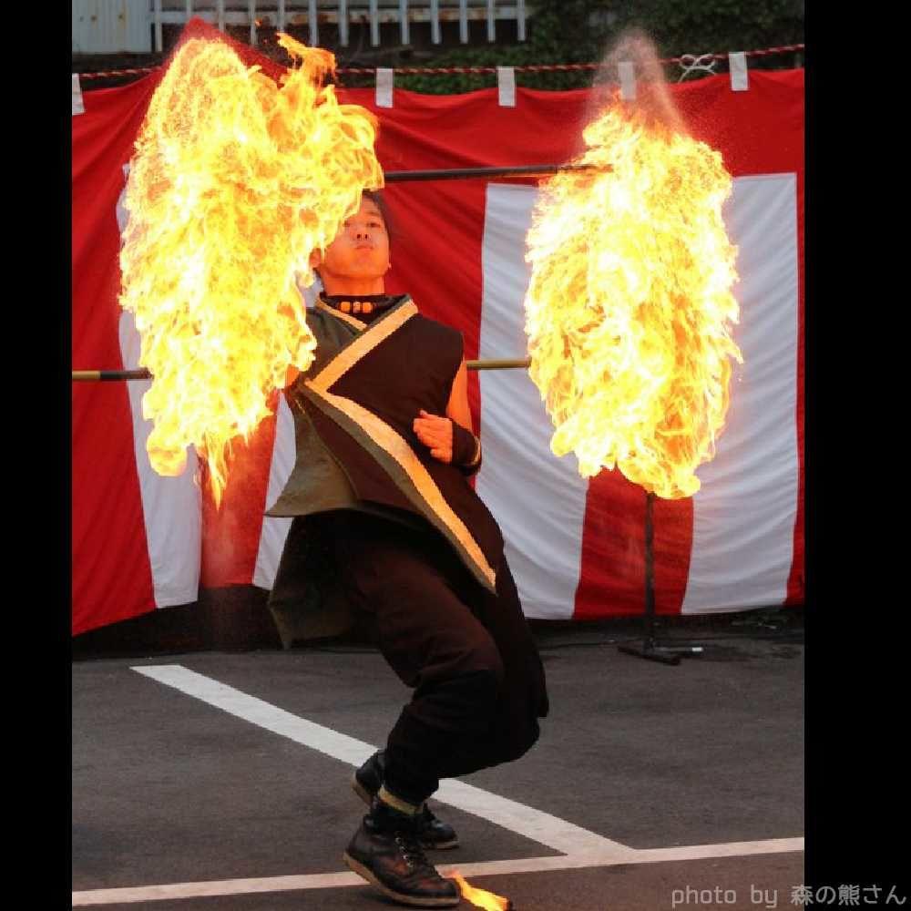 火付盗賊のファイアーパフォーマンス