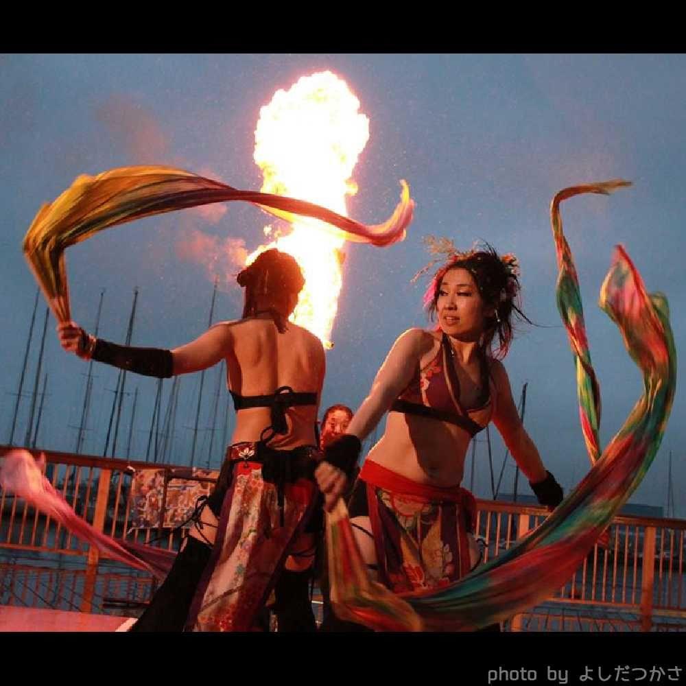 大道芸フェスティバルで火付盗賊ファイアーショー