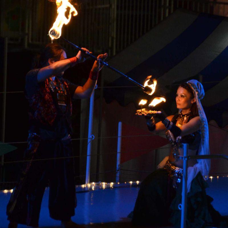 西武園遊園地のビアガーデンで花火大会後にファイアーショー