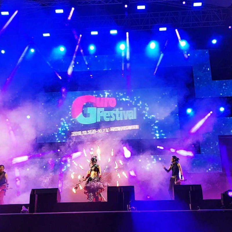 ソウルのアジアンフレンドシップフェスティバルでファイアーパフォーマンス